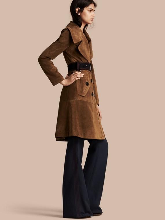 Manteau à double boutonnage en cuir velours