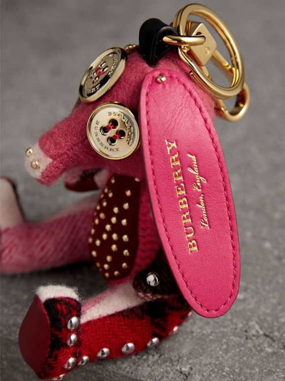 Sandra The Basset Hound Cashmere Charm in Rose Pink | Burberry - cell image 1