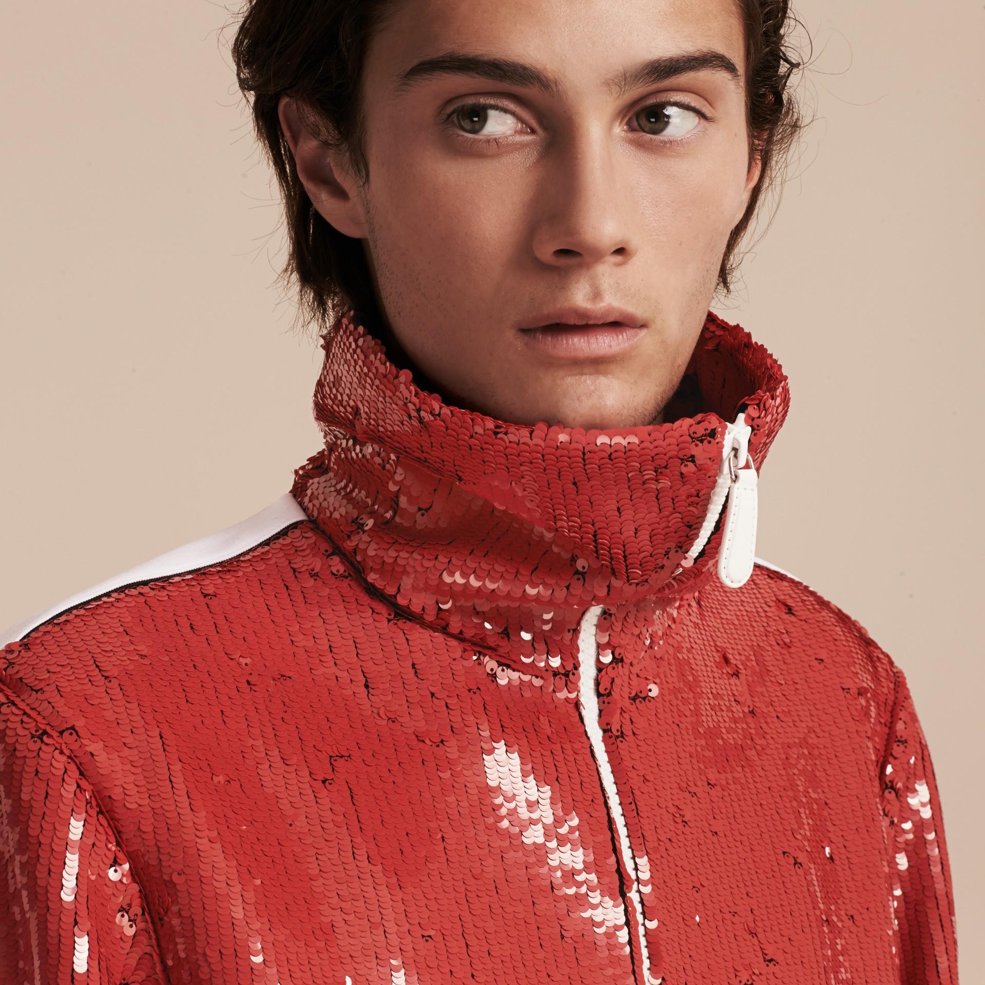 Cranberry-rot Trainingsjacke mit Pailletten - Galerie-Bild 5