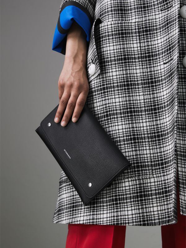 Two-tone Leather Wristlet Clutch in Black - Women | Burberry United Kingdom - cell image 3
