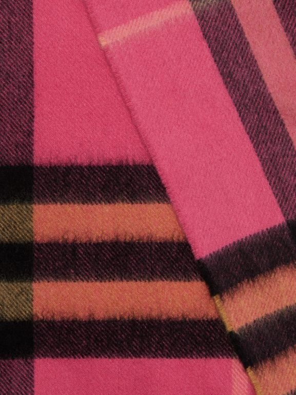 The Classic Check Cashmere Scarf in Bright Rose | Burberry - cell image 1