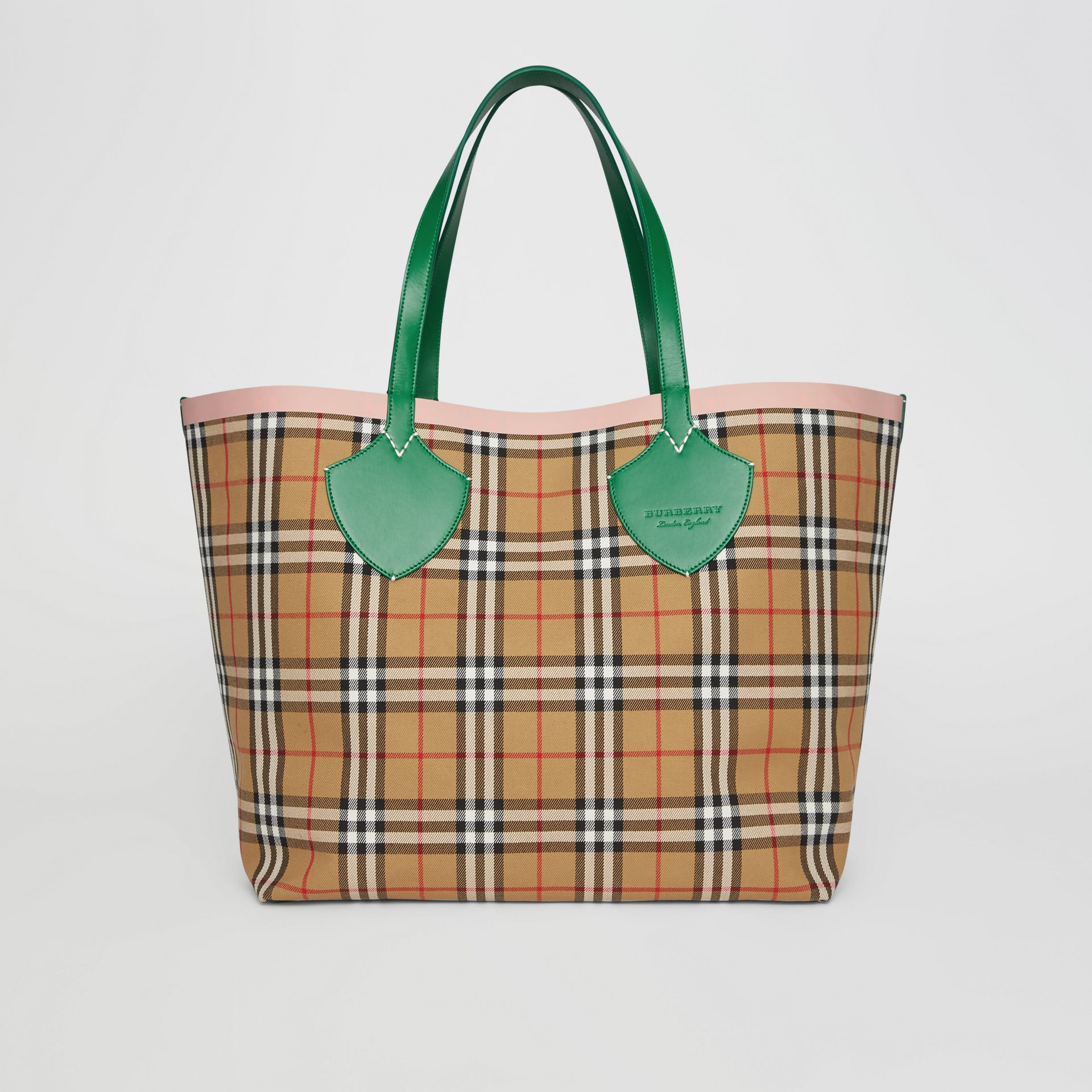 The Giant Reversible Tote in Vintage Check in Palm Green/pink Apricot - Women | Burberry Canada - gallery image 0