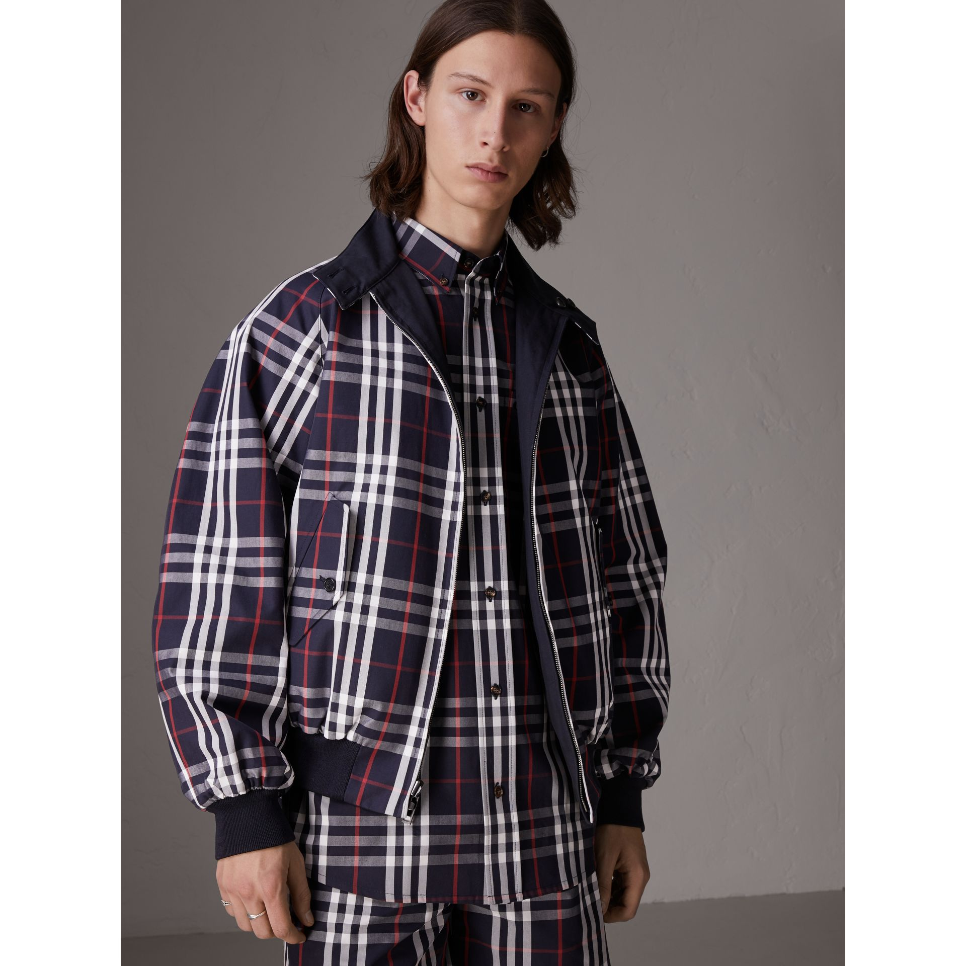 Gosha x Burberry Reversible Harrington Jacket in Navy | Burberry United Kingdom - gallery image 2