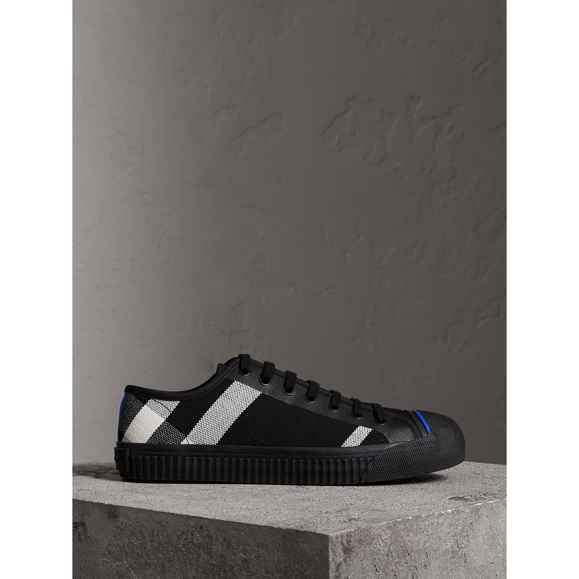 Sneakers en cuir et tissu Canvas check (Noir) - Homme | Burberry - photo de la galerie 4