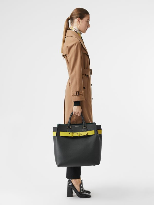 Grand sac The Belt en cuir (Noir/jaune) | Burberry Canada - cell image 2