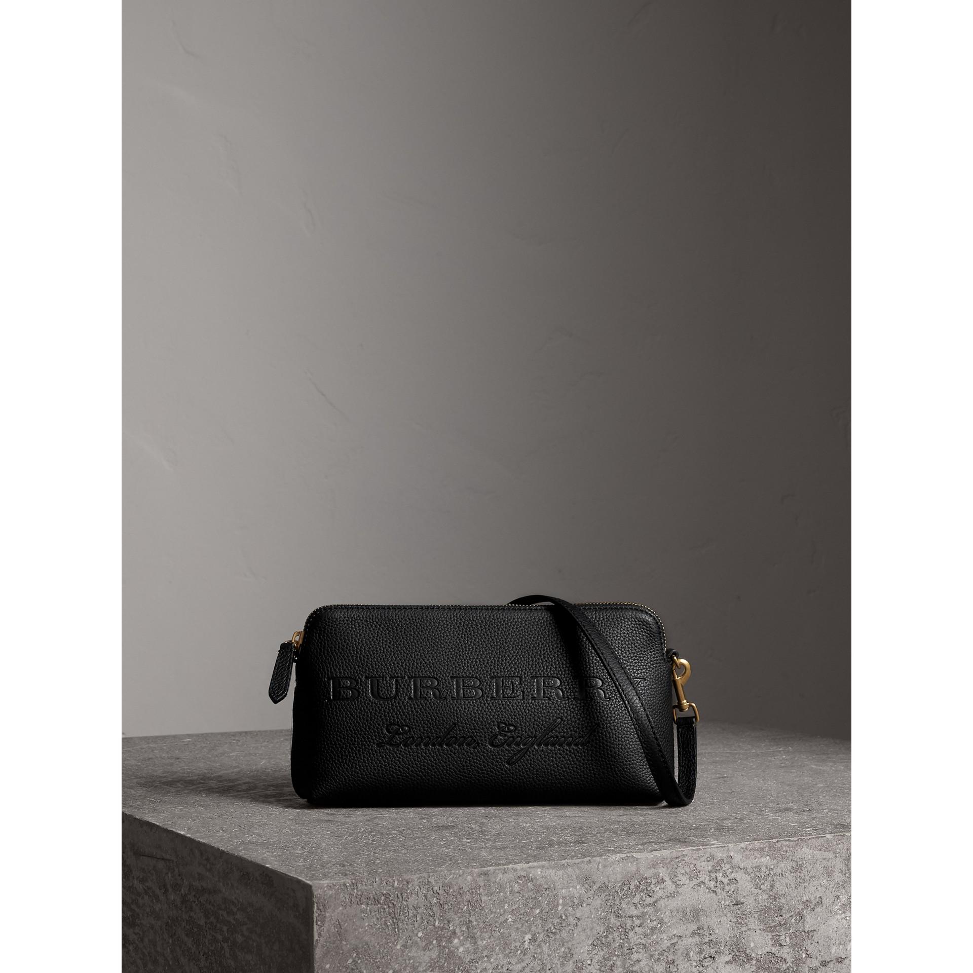 Сумка-клатч из тисненой кожи (Черный) - Для женщин | Burberry - изображение 1