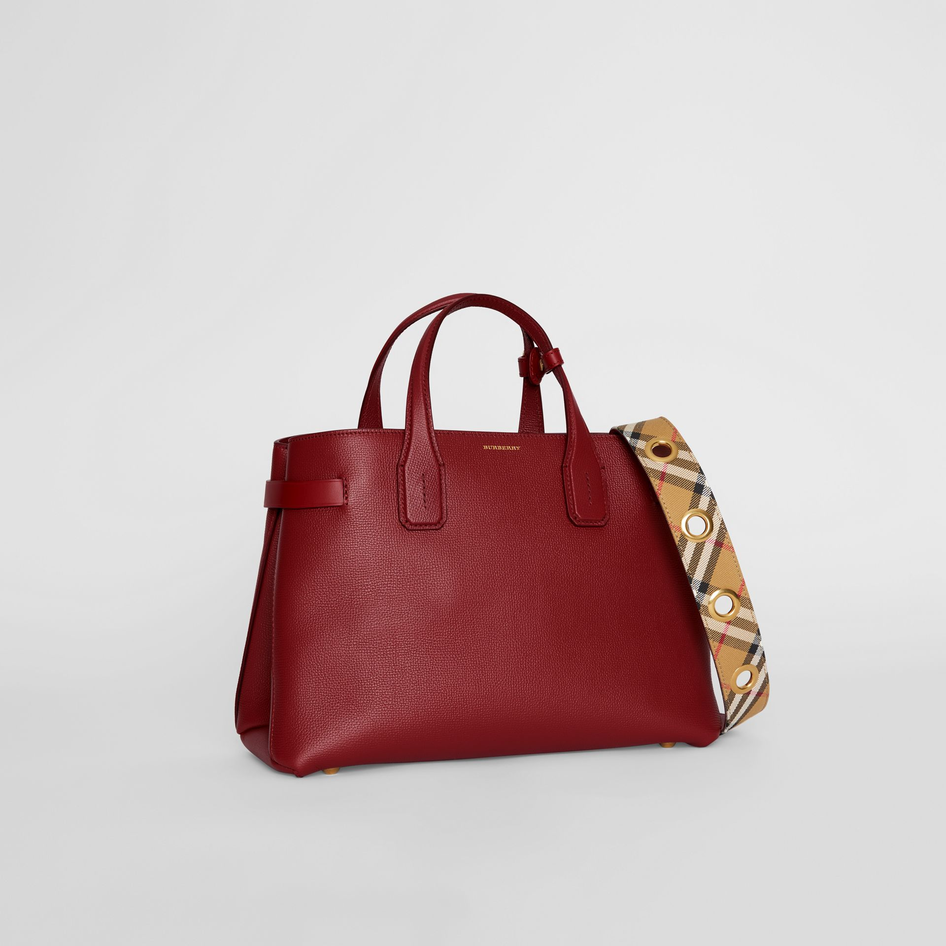 The Medium Banner in Leather with Grommeted Strap in Crimson - Women | Burberry United Kingdom - gallery image 4
