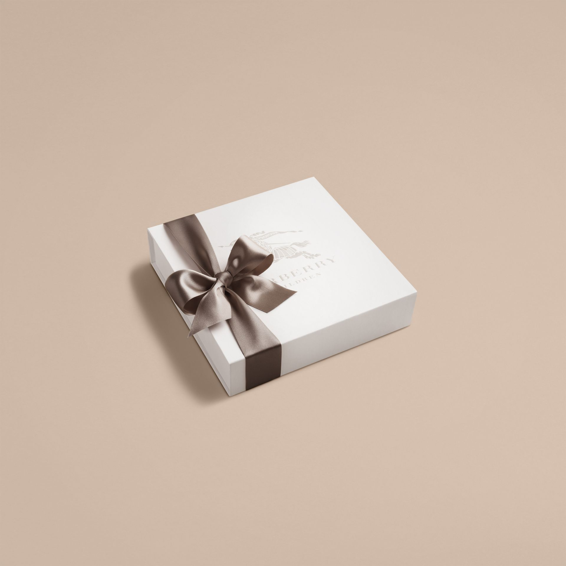 Check Cotton Three-piece Baby Gift Set in White - Boy | Burberry - gallery image 3