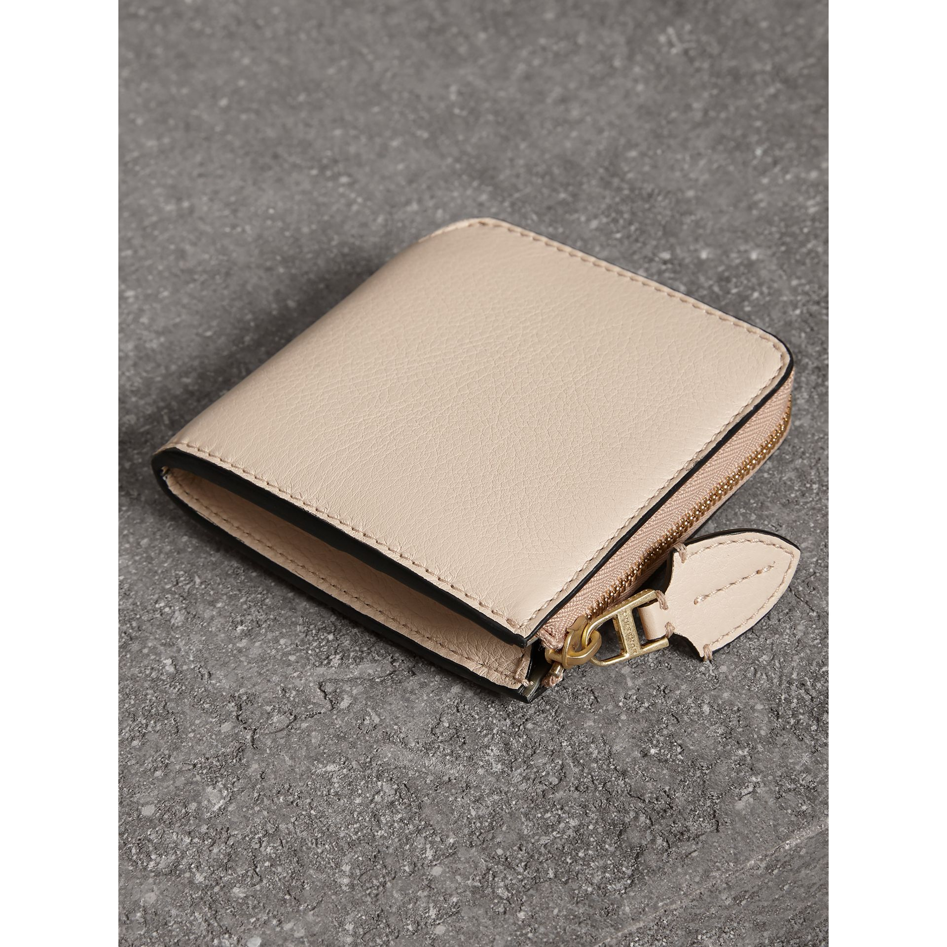 Grainy Leather Square Ziparound Wallet in Limestone - Women | Burberry United Kingdom - gallery image 2