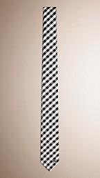 Cravate fine en soie et jacquard à motif check