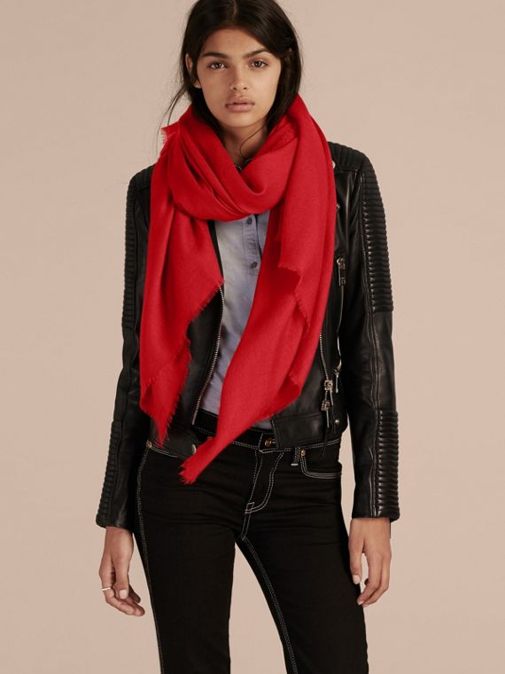 Parade red The Classic Cashmere Scarf Parade Red - cell image 2
