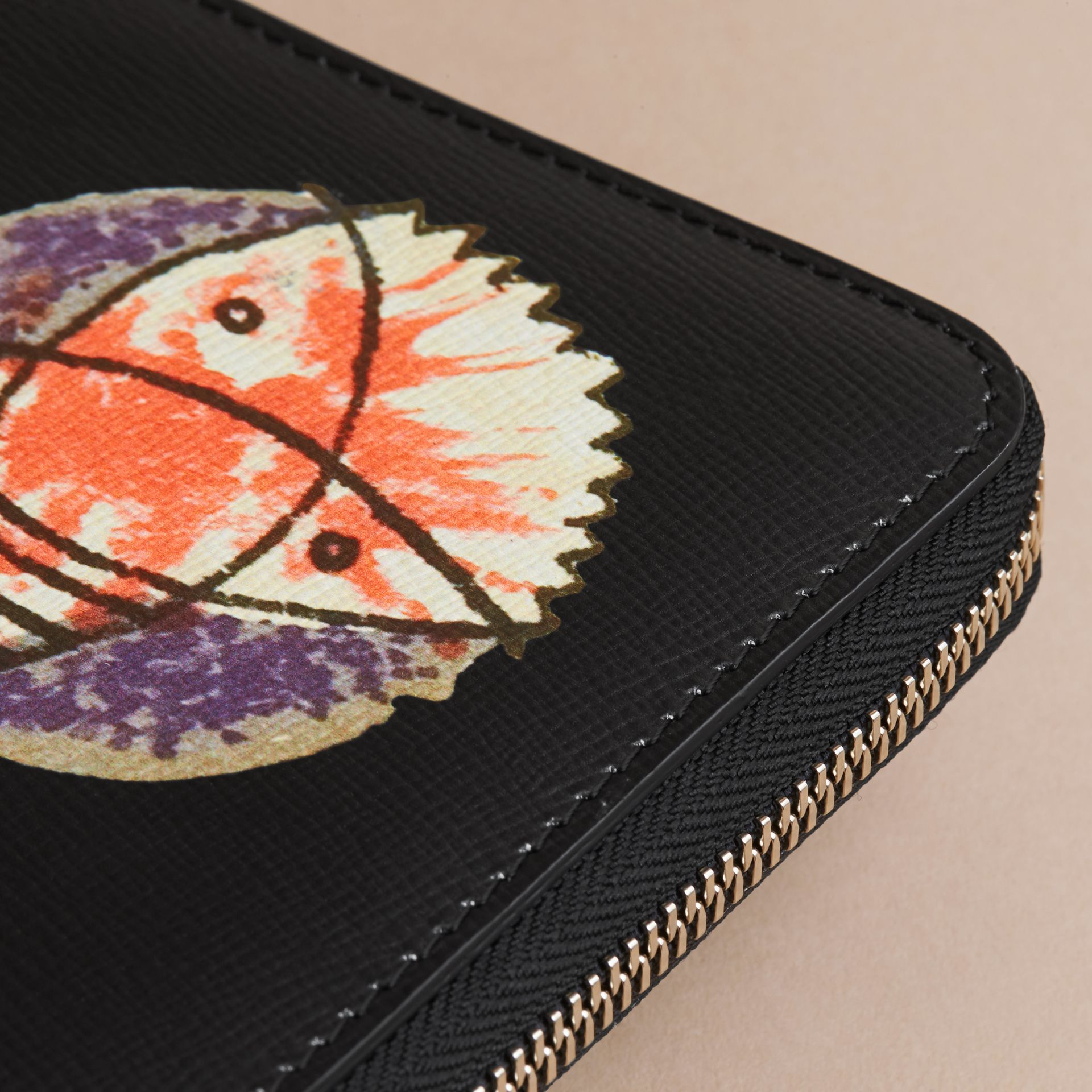 Pallas Heads Print London Leather Ziparound Wallet - Men | Burberry Australia - gallery image 2