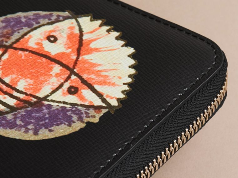 Pallas Heads Print London Leather Ziparound Wallet - Men | Burberry Australia - cell image 1