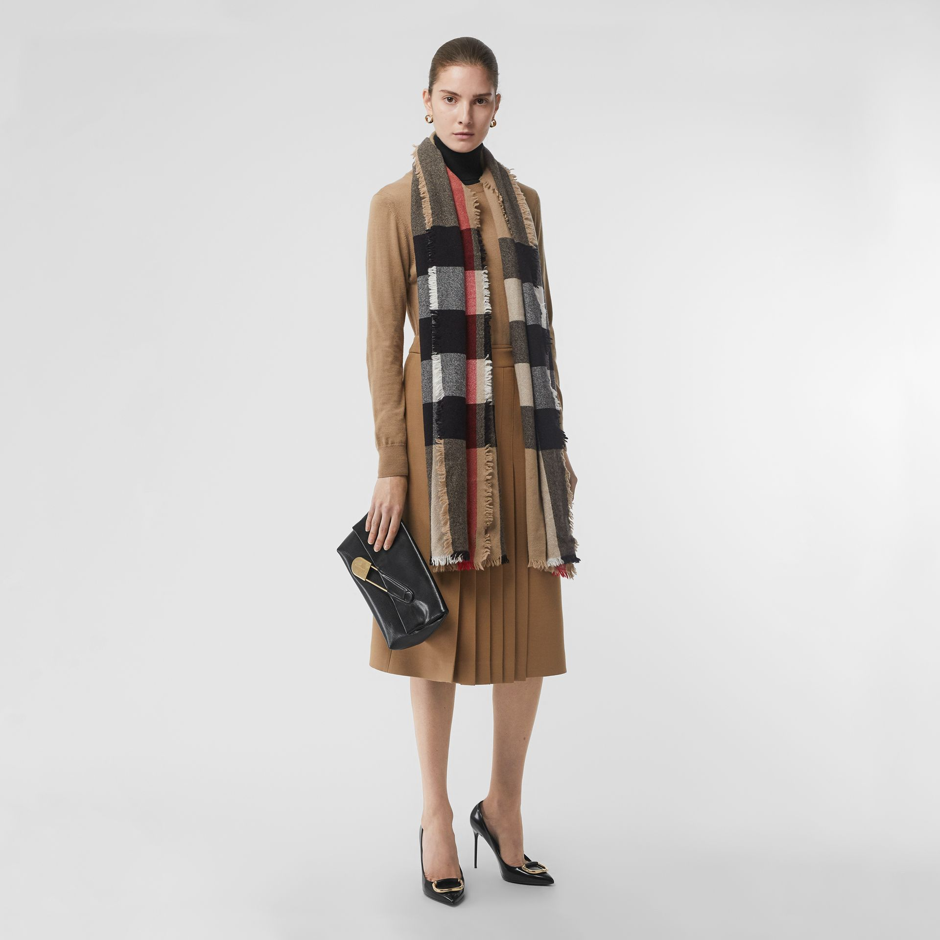 Fringed Check Wool Cashmere Scarf in Camel | Burberry - gallery image 2