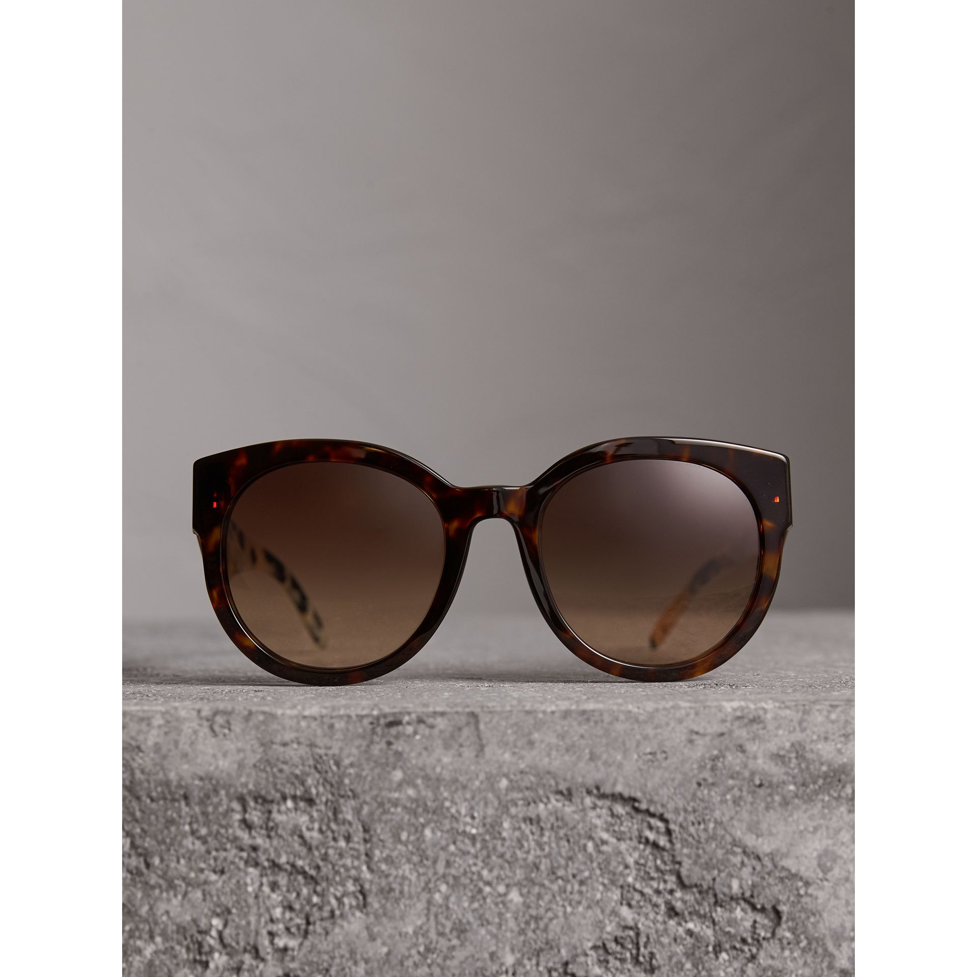 Round Frame Sunglasses in Tortoise Shell - Women | Burberry - gallery image 3