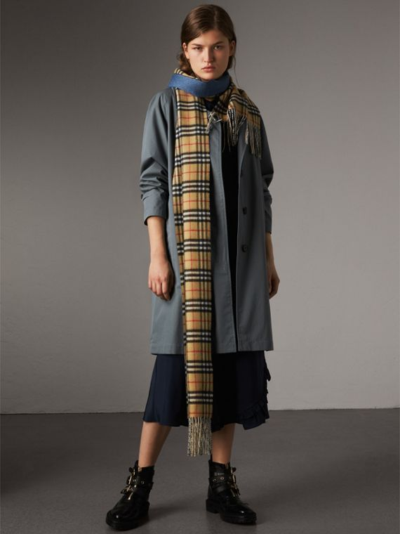 Long Reversible Vintage Check Double-faced Cashmere Scarf in Stone Blue | Burberry Australia - cell image 2