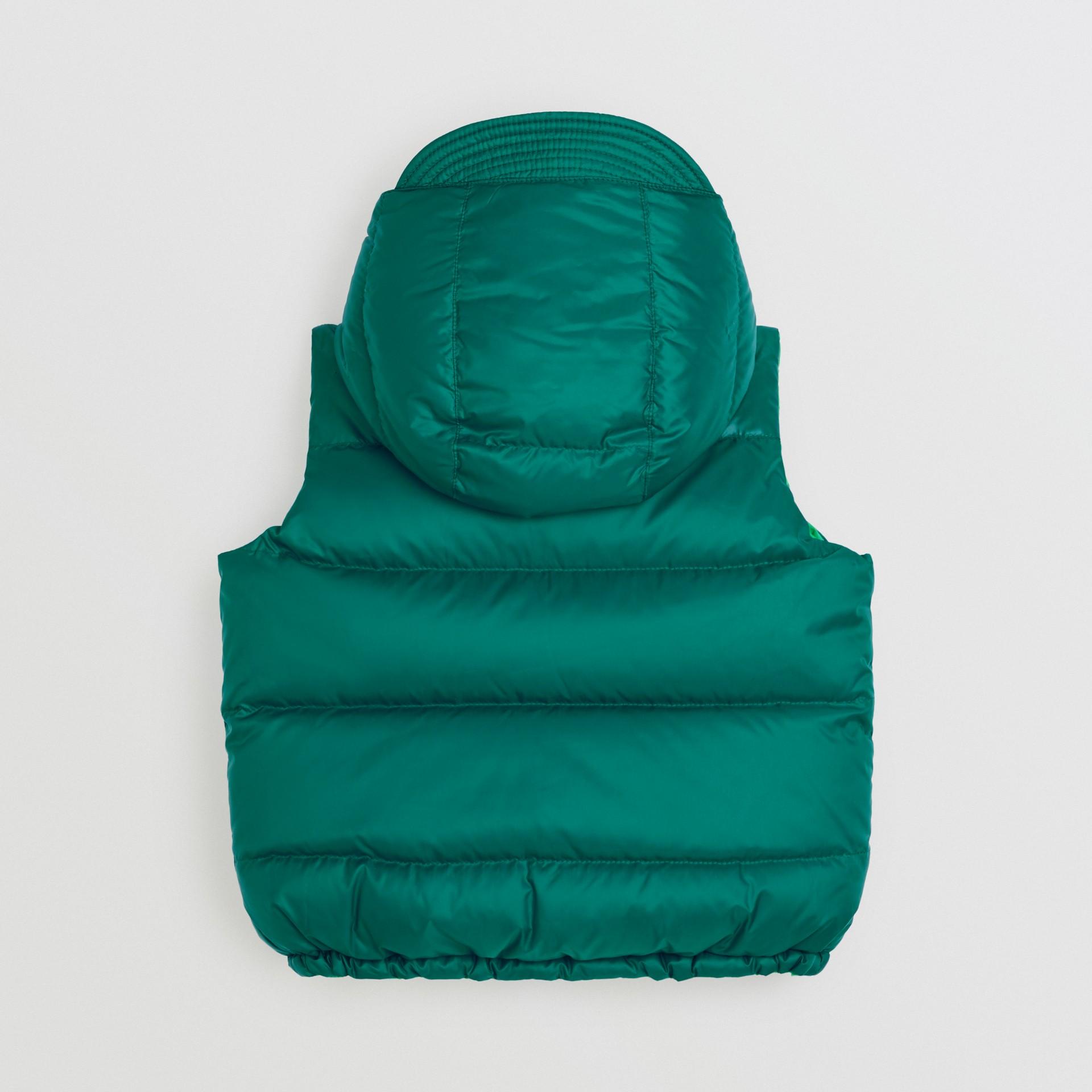 Gilet reversibile resistente alla pioggia con imbottitura e cappuccio (Ciano Scuro) | Burberry - immagine della galleria 3