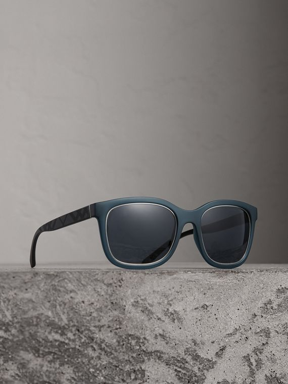 Embossed Check Detail Square Frame Sunglasses in Navy
