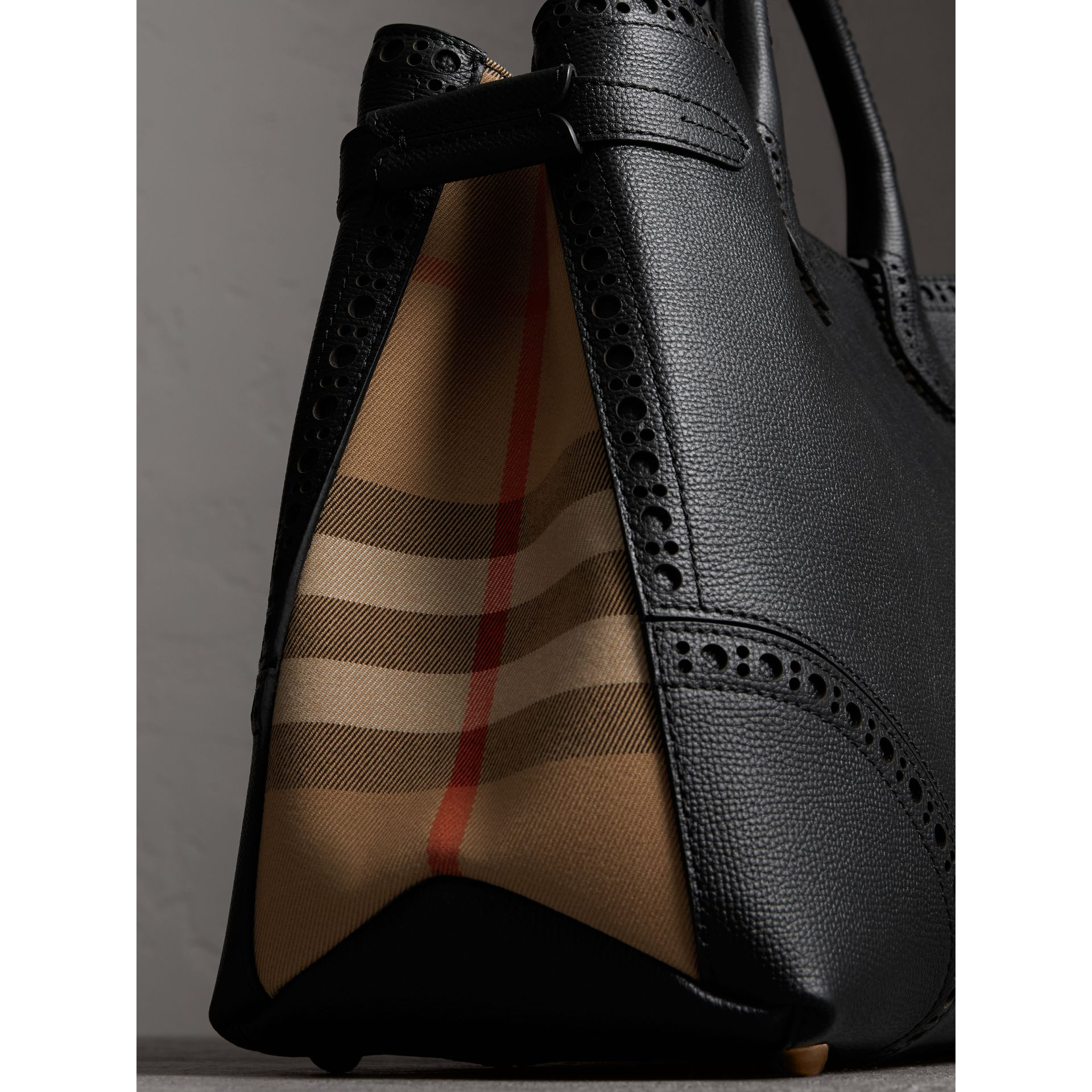 The Large Banner in Brogue Detail Leather in Black - Women | Burberry - gallery image 1