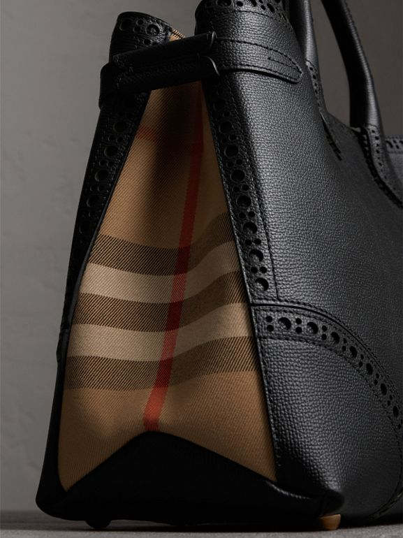 The Large Banner in Brogue Detail Leather in Black - Women | Burberry - cell image 1