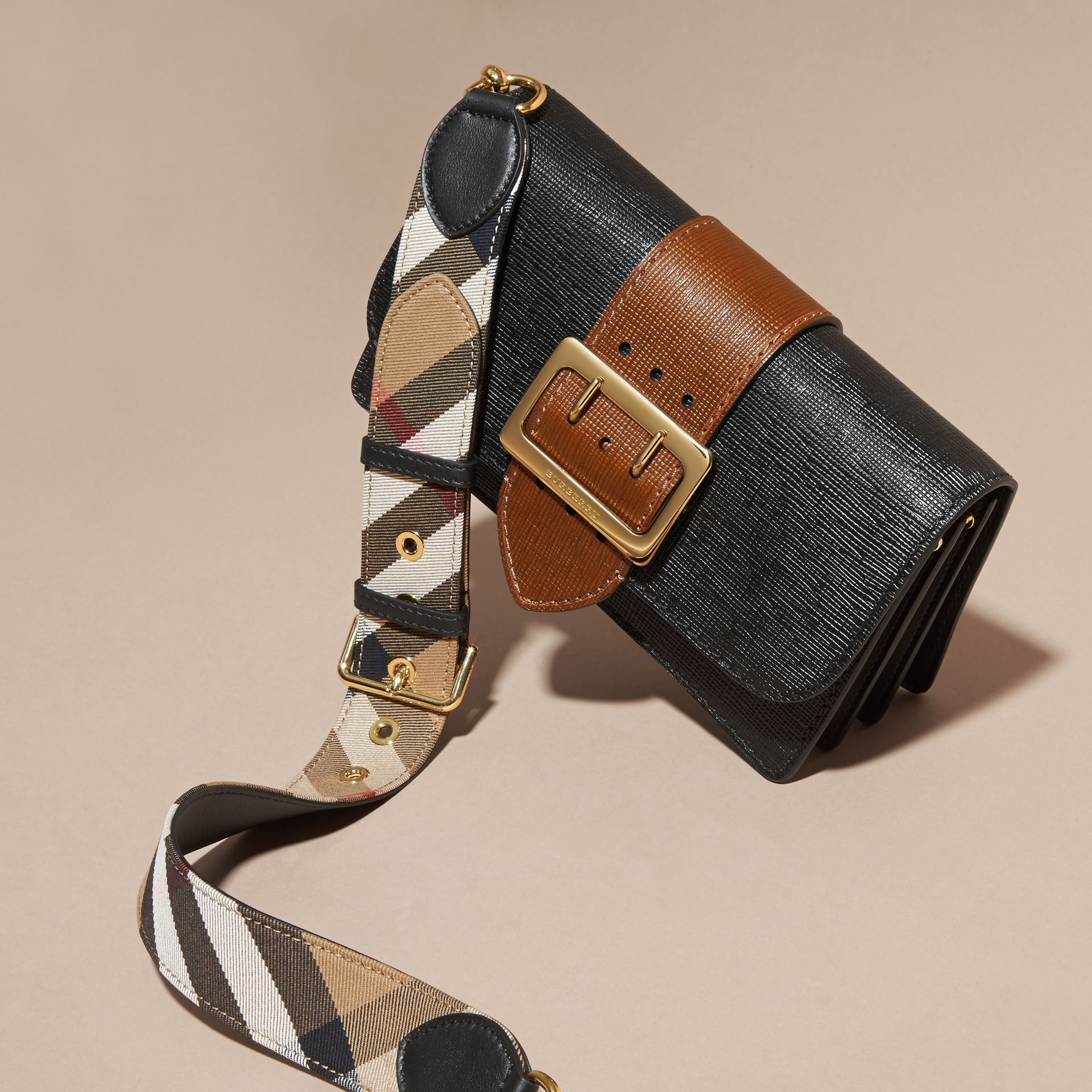 Black/tan The Medium Buckle Bag in Textured Leather Black/tan - gallery image 6