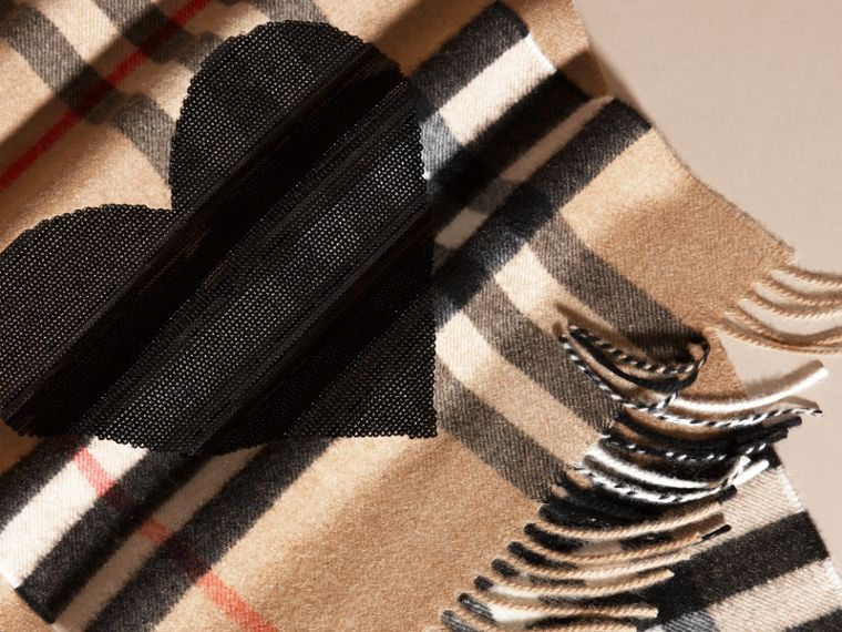 The Classic Cashmere Scarf in Check with Sequined Heart in Camel/black - cell image 4