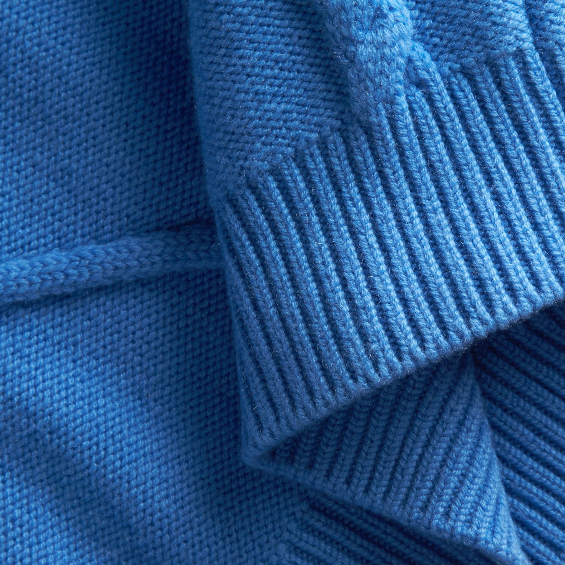 Hydrangia blue Ruffle-sleeved Cable Knit Wool Cashmere Sweater - gallery image 2