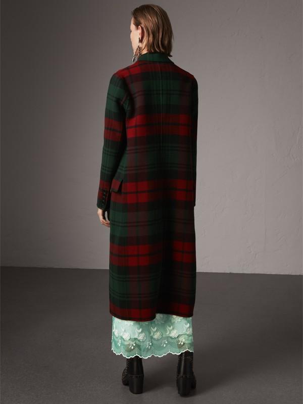 Casaco com trespassado de lã em xadrez tartan (Verde Bandeira/carmesim Escuro) - Mulheres | Burberry - cell image 2