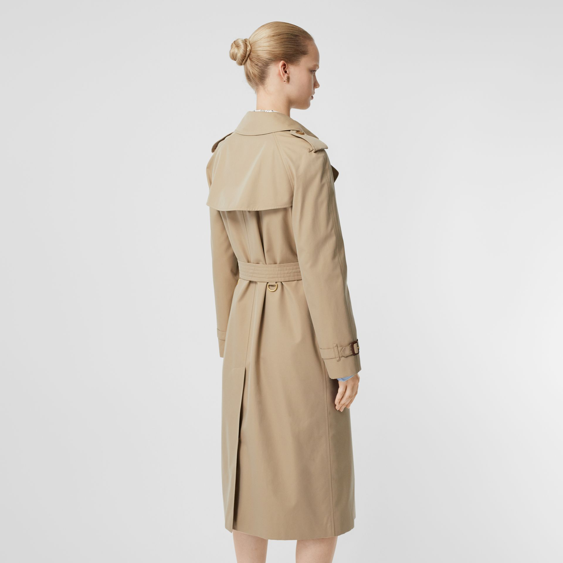 Trench coat Heritage The Waterloo (Miele) - Donna | Burberry - immagine della galleria 2