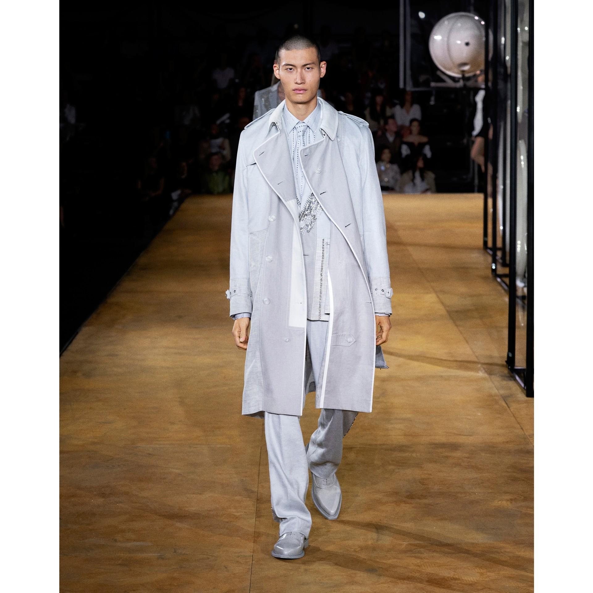Detachable Collar Crystal Detail Cotton Poplin Shirt in Light Pebble Grey | Burberry Australia - gallery image 5