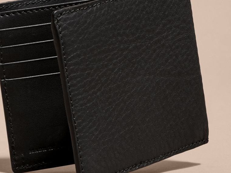 Schwarz Faltbrieftasche aus Leder mit Haymarket Check-Muster und Ziernieten - cell image 4