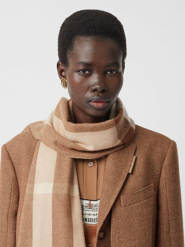 Check Cashmere Scarf in Mid Camel | Burberry - cell image 2