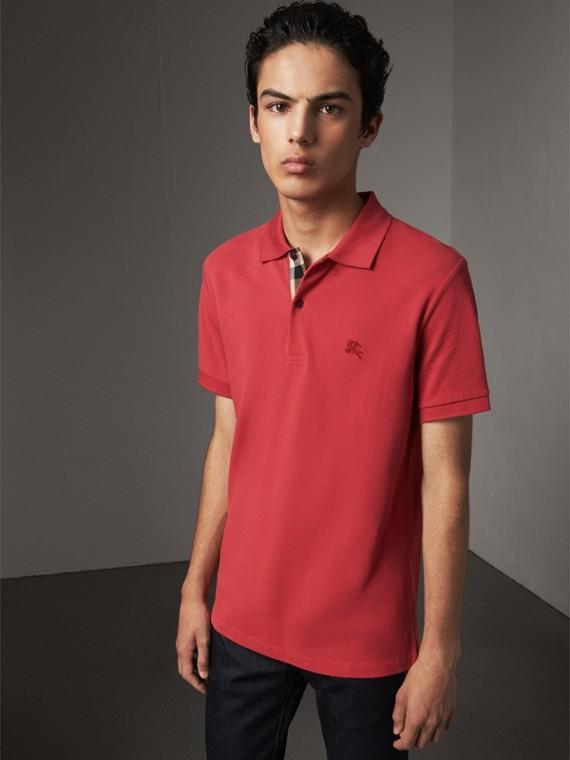 Poloshirt aus Baumwollpiqué mit Knopfleiste im Karodesign (Korallenrot)