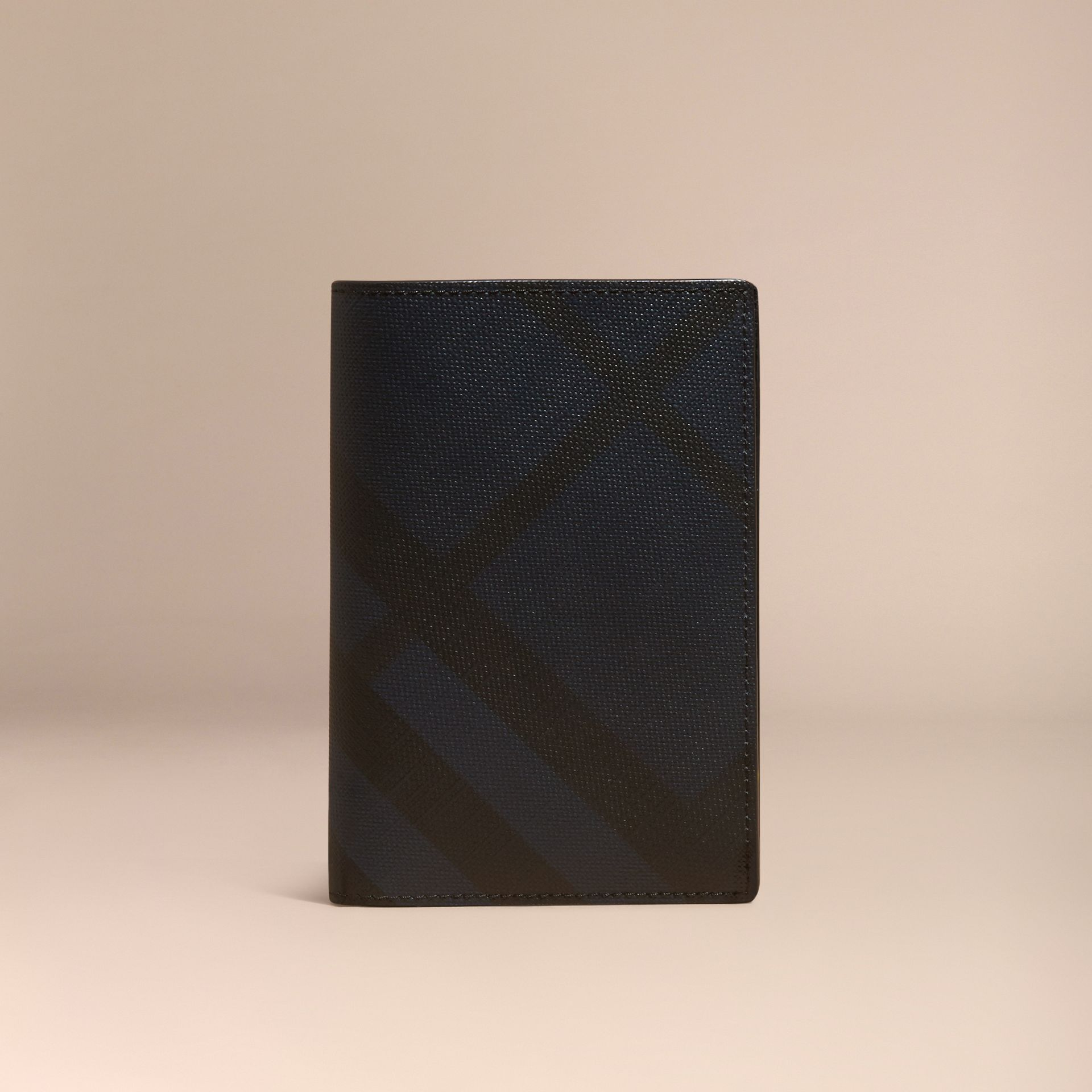 London Check and Leather Passport Holder Navy/black - gallery image 6