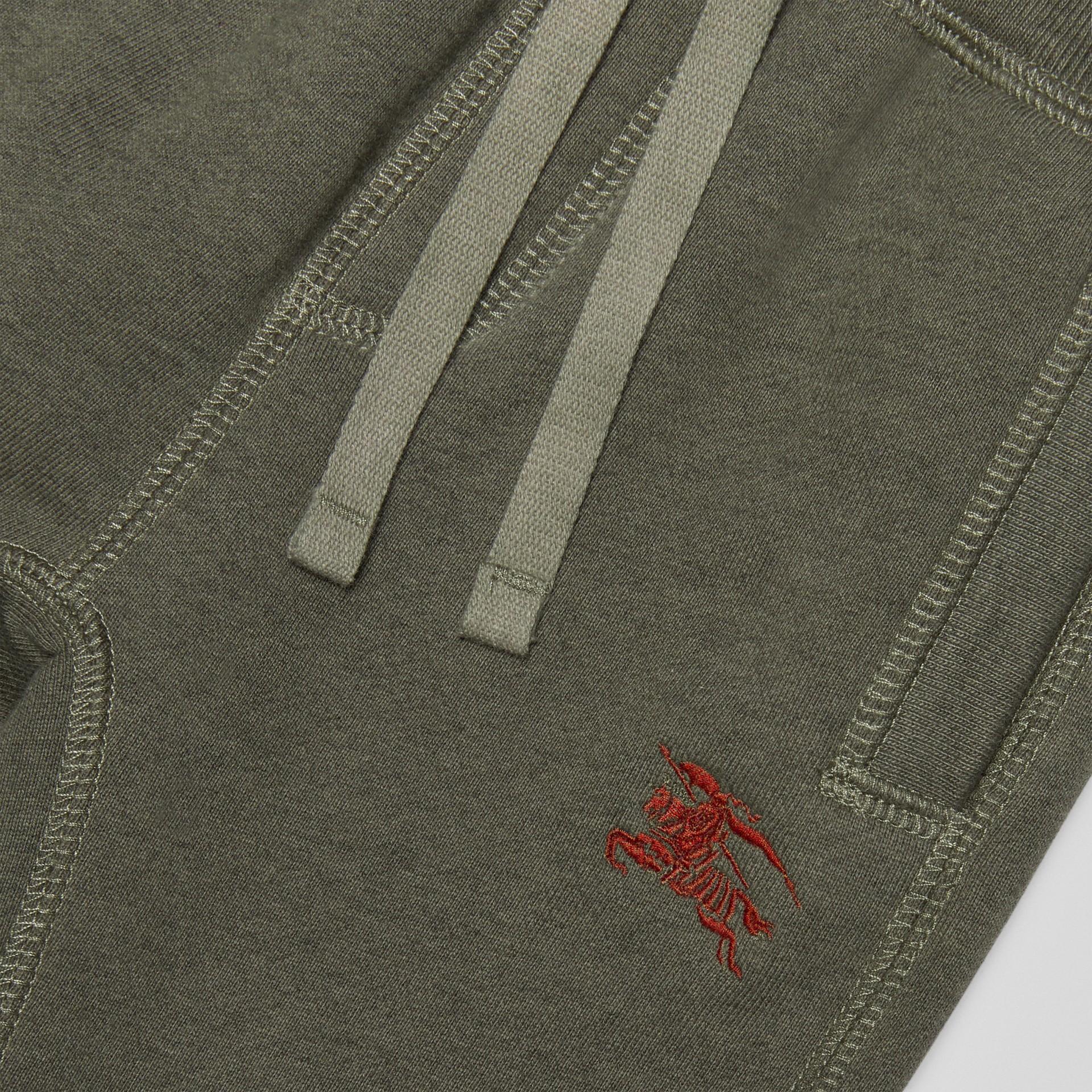 徽標繡飾棉質運動褲 (混合橄欖色) - 童款 | Burberry - 圖庫照片 1