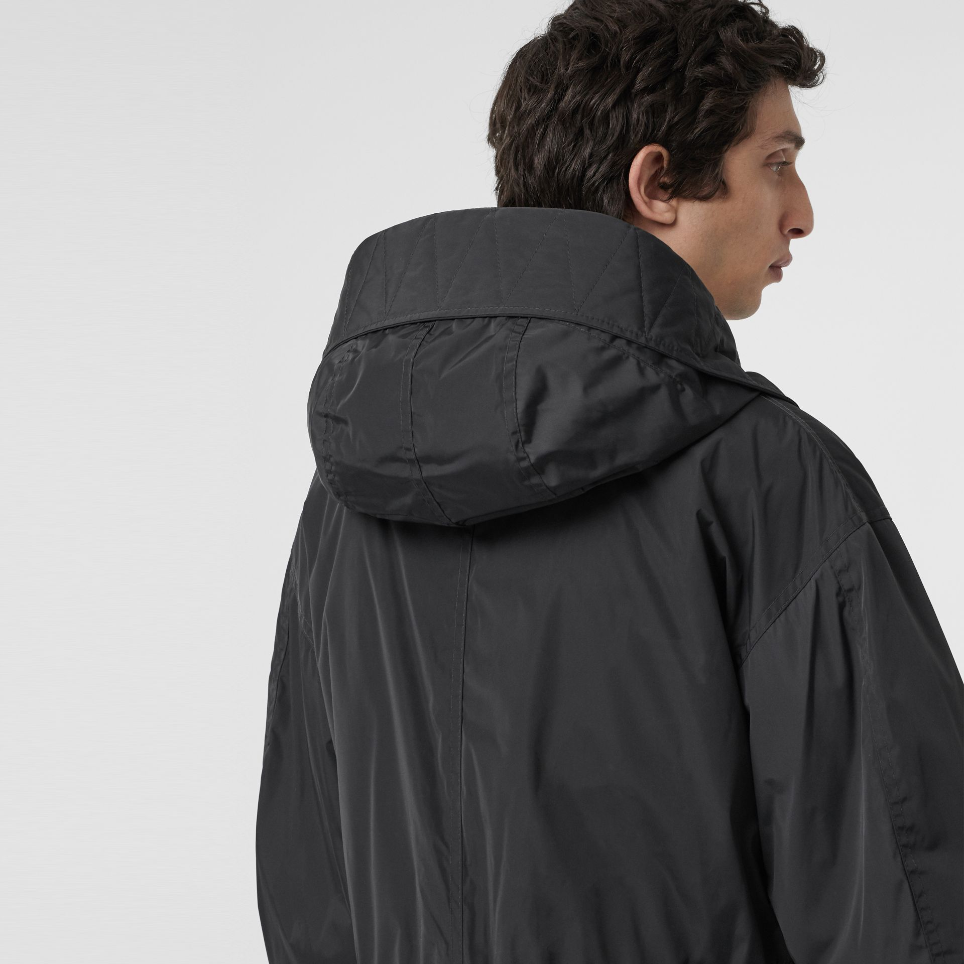 Parka en nylon technique matelassée (Anthracite Sombre) - Homme | Burberry Canada - photo de la galerie 4
