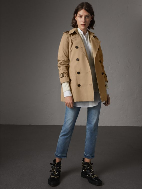 The Kensington – Short Heritage Trench Coat in Honey