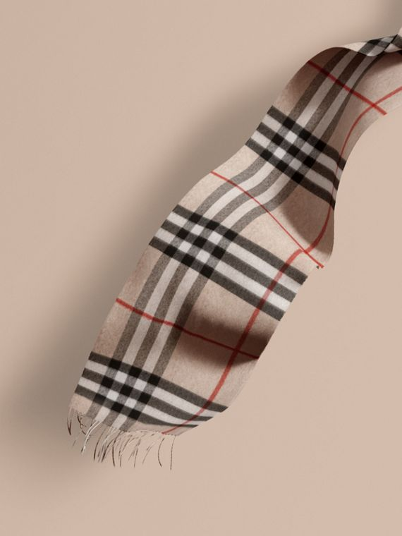 The Classic Cashmere Scarf in Check Stone