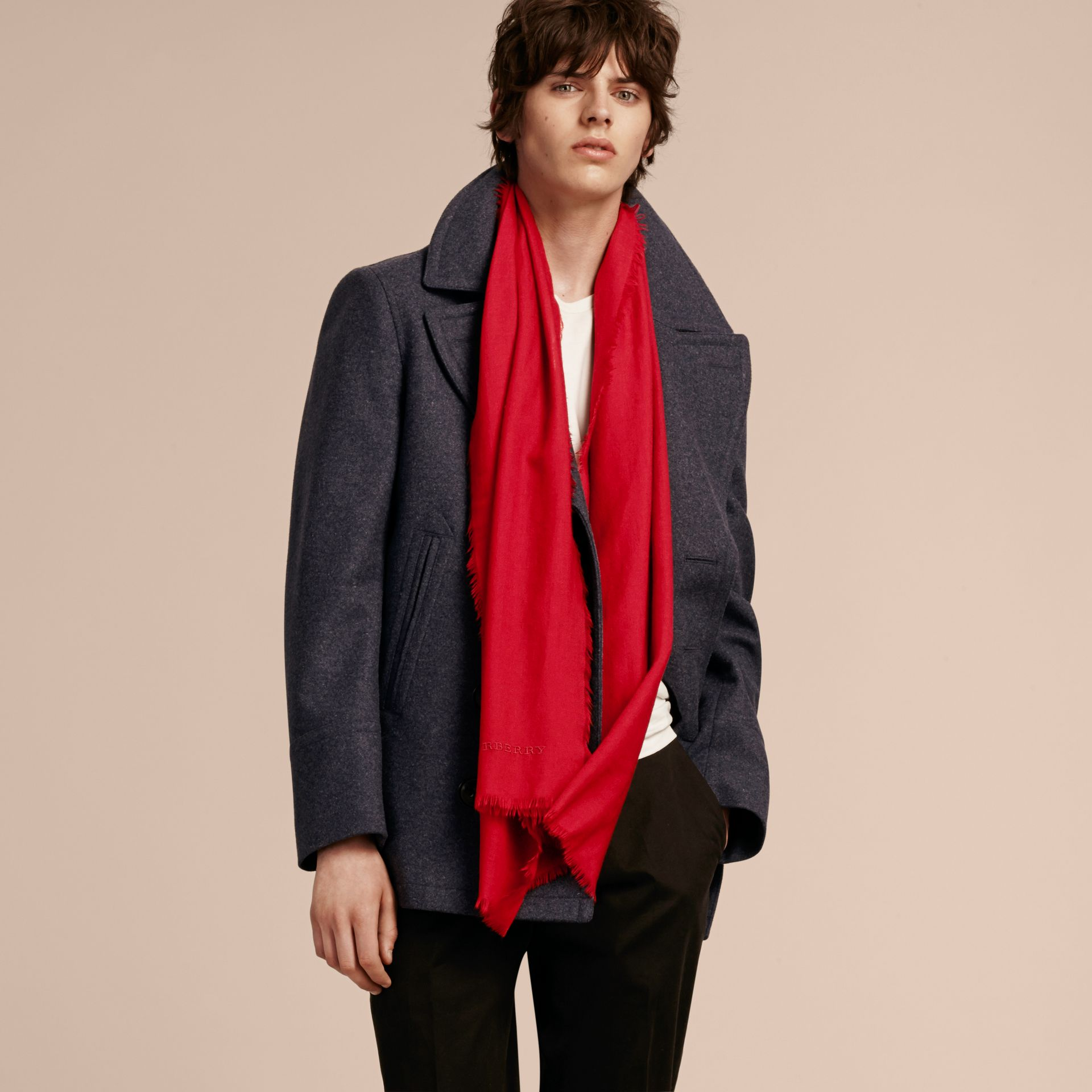 The Lightweight Cashmere Scarf in Parade Red | Burberry Australia - gallery image 4