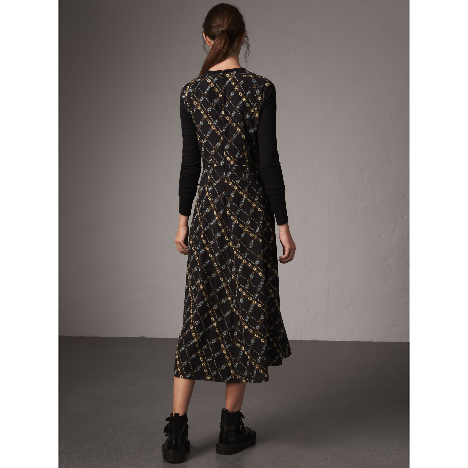 Long-sleeve Lattice Floral Print Silk Gathered Dress in Black - Women | Burberry - gallery image 2