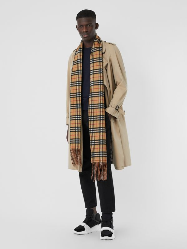 Long Reversible Vintage Check Double-faced Cashmere Scarf in Chalk Green | Burberry Canada - cell image 3