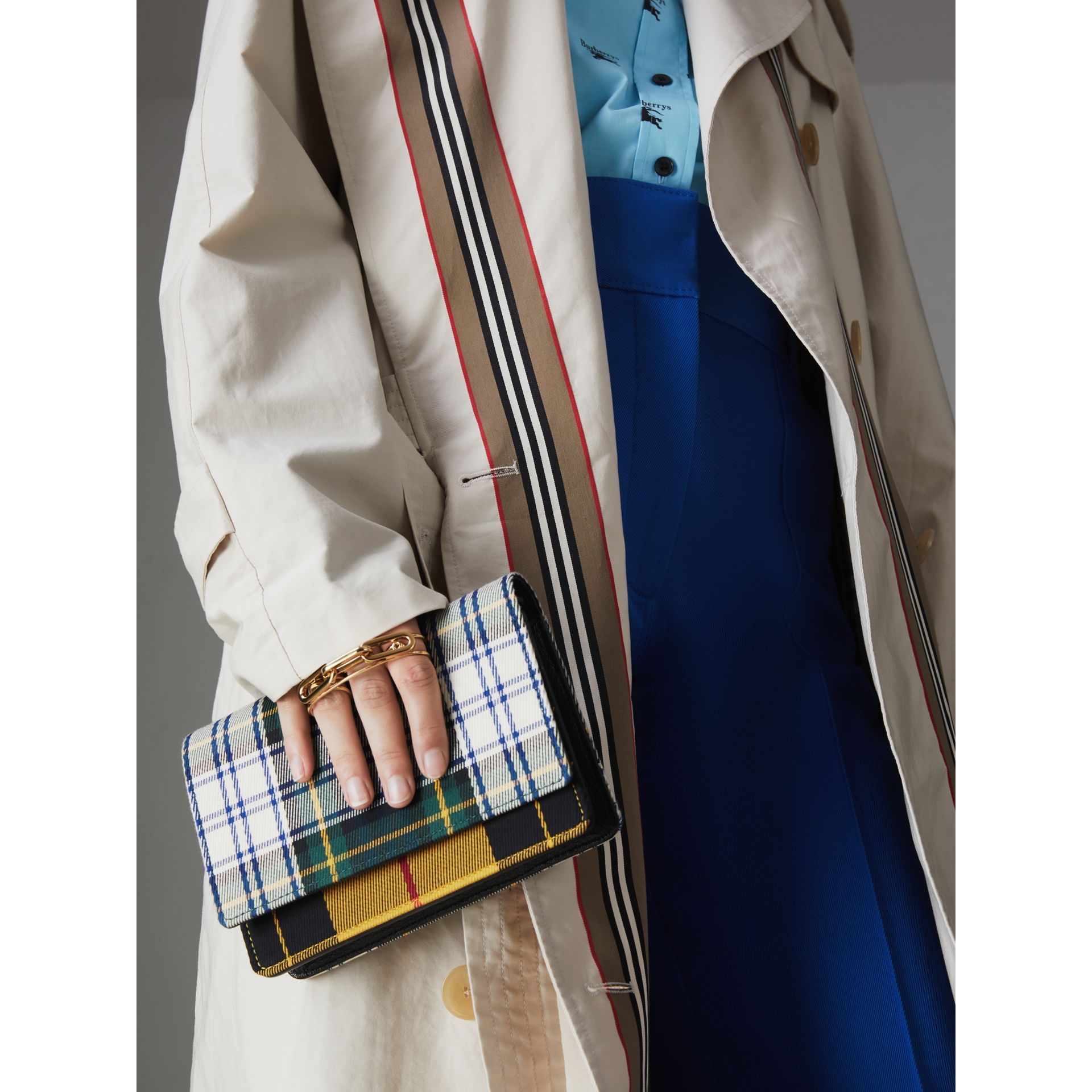 Tartan and Leather Wallet with Detachable Strap in Green/multicolour - Women | Burberry Australia - gallery image 2