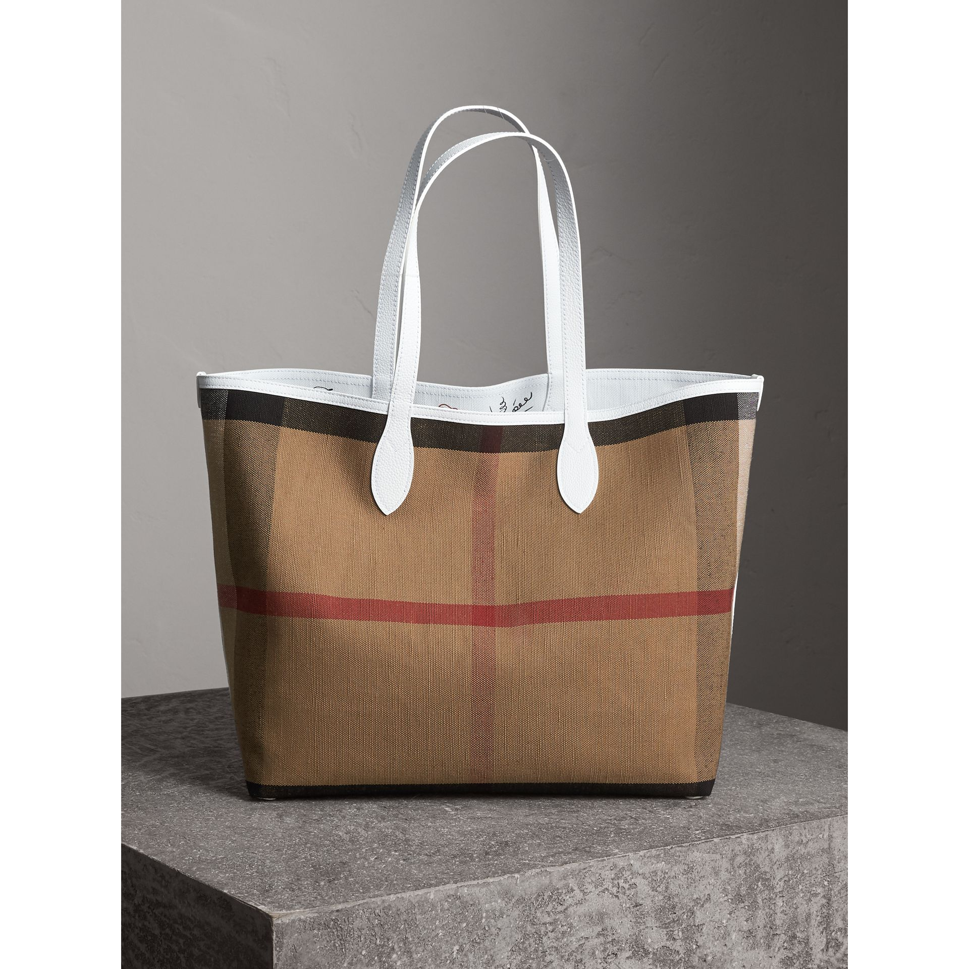 The Large Reversible Doodle Tote in Classic Check/white | Burberry United States - gallery image 5