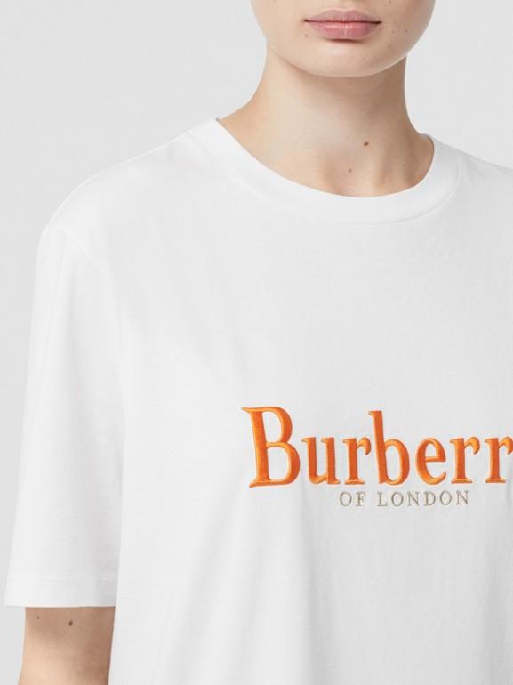 T-shirt en coton avec logo d'archive brodé (Blanc/rouge) - Femme | Burberry Canada - cell image 1
