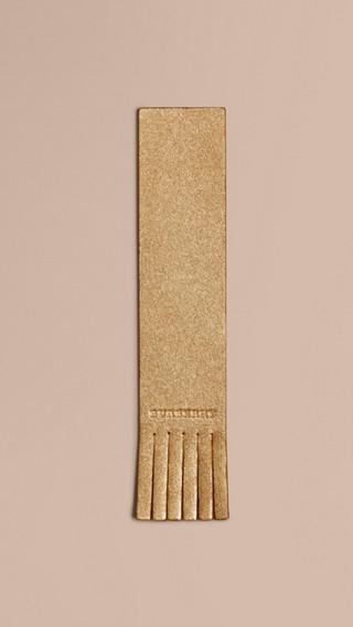 Marque-page en cuir estampé façon twill