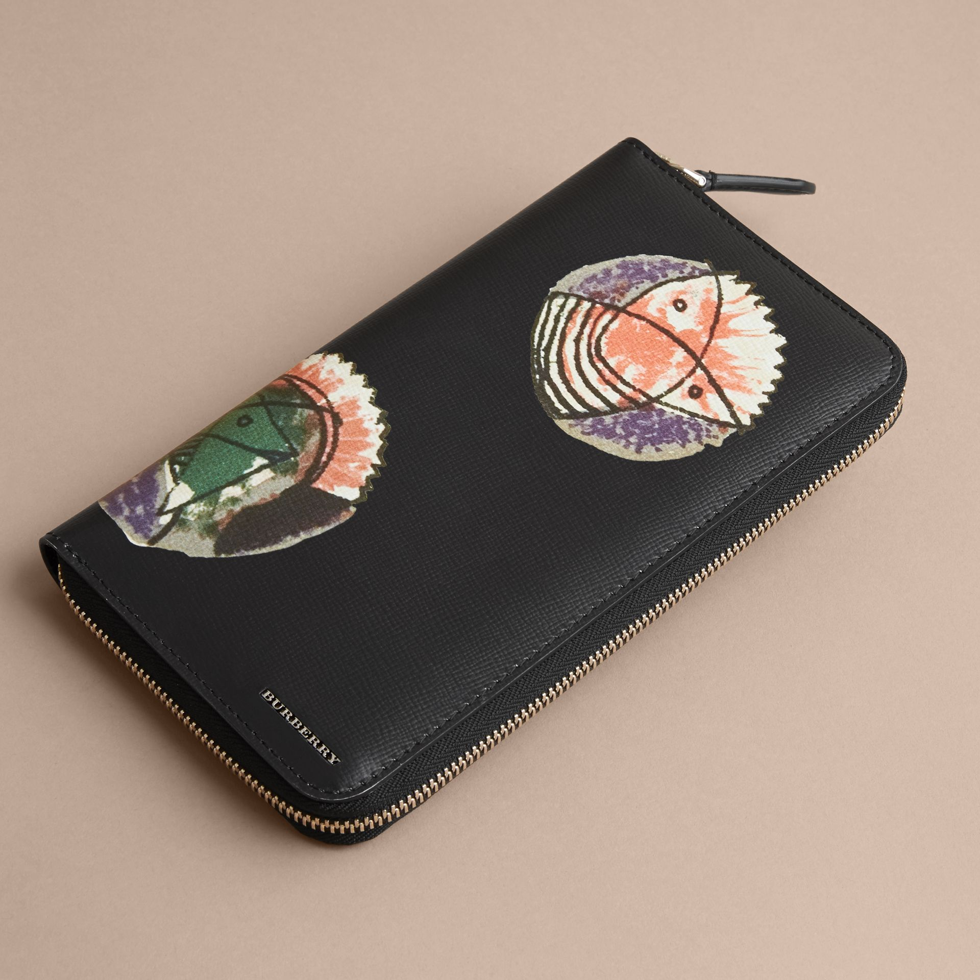 Pallas Heads Print London Leather Ziparound Wallet - Men | Burberry - gallery image 4