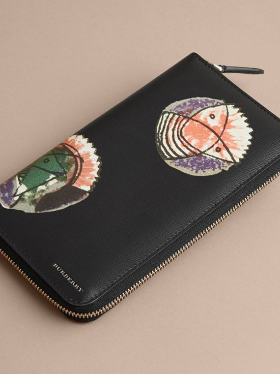 Pallas Heads Print London Leather Ziparound Wallet in Black - Men | Burberry - cell image 3