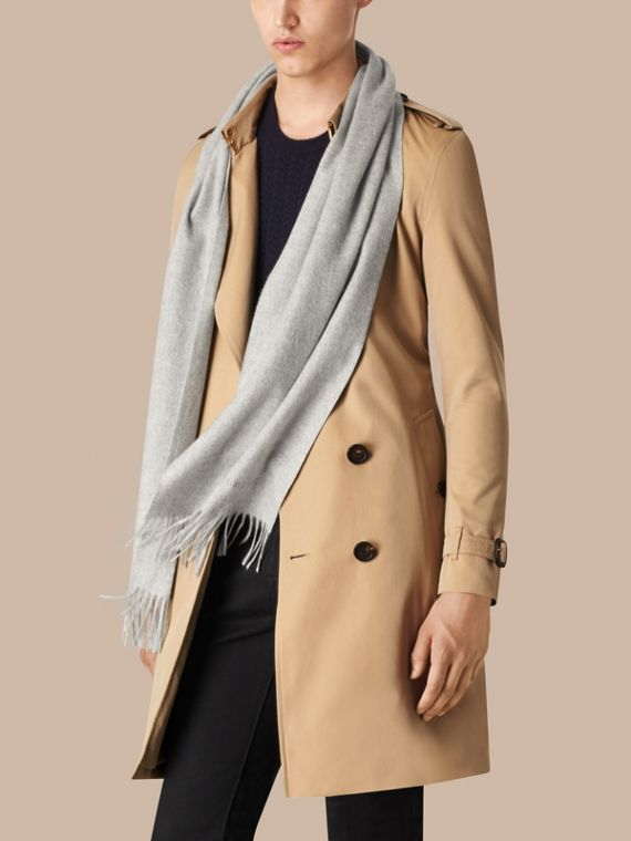 Pale grey The Classic Cashmere Scarf Pale Grey - cell image 3