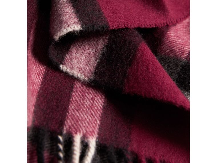 The Classic Check Cashmere Scarf in Plum | Burberry - cell image 4