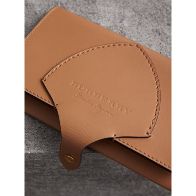 Equestrian Shield Leather Continental Wallet In Camel